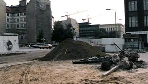 """Marxnak annyi, az NSZK-márkát várja az állampárti pince – """"Eljött a paradicsom"""", 1990. május 30."""