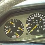 Poros pajtalelet: 98 kilométer van ebben a 32 éves Mercedesben
