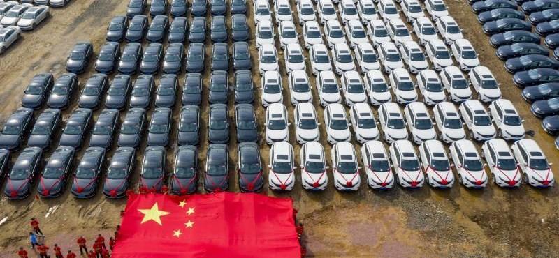 Harmadik éve zsugorodik a világ legnagyobb autópiaca