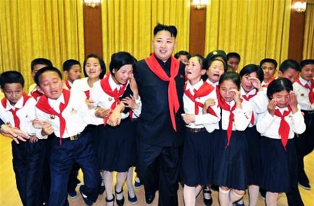 Kim Dzsong Unt a gyerekek is imádják