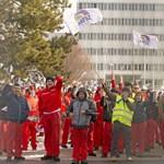 Tovább tart a sztrájk az Audinál, ma is tárgyalnak a munkáltatóval