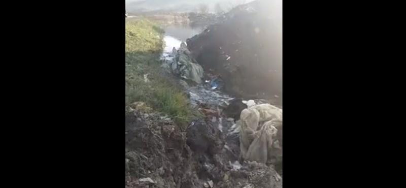 Átszakadt a szemétgát Kolozsvárnál, mérgező víz indult el a Szamos felé