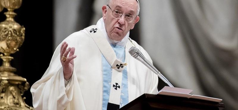 Bocsánatot kért Ferenc pápa a chilei pedofilügyben érintett áldozatoktól