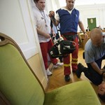 Fotó: így ájult el Szita Bence gyilkosa a peren