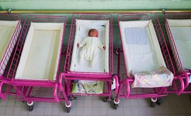 Eddig nem jött be a kormány terve, egyre kevesebb gyerek születik