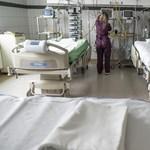Három hete nem mondják meg, hány beteget küldtek haza a kórházakból