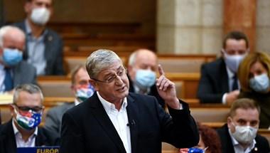 Gyurcsány Ferenc népszavazásig vinné az ingyenes koronavírusteszt kérdését