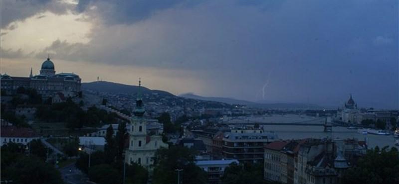Budapest megszenvedte a keddi jégverést