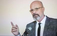 Zacher Gábor: A járványkezelés jelenleg politikai kérdés Magyarországon