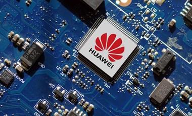 Hiába a Huawei elleni hadjárat, még mindig úgy viszik a telefonjaikat, mint a cukrot