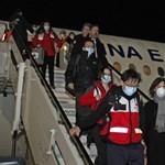 Több száz tonnányi védekezőeszköz érkezik még Kínából