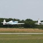 A világon először repült két elektromos gép kötelékben – videó