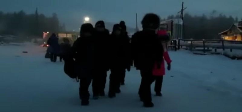 Van, ahol a mínusz 50 fok sem akadály: így járnak iskolába a diákok