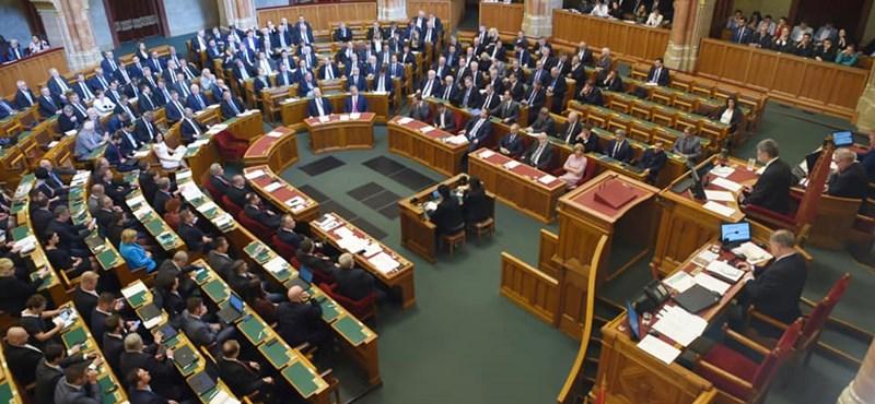 Saját törvényjavaslatot nyújtottak be a szocialisták a veszélyhelyzetre