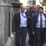 Ádert a Trefortból távozóban még meglepték egy tiltakozással – videó