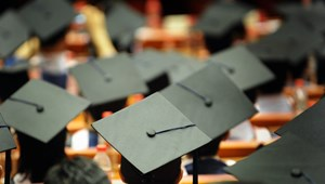 Egyre több diploma ragad benn az egyetemeken