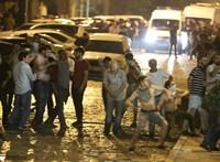 Tbilisziben leköpték az orosz tévéseket, akik fel is vették az incidenst