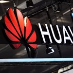 Az amerikaiak szerint a Huawei az egész világon le tudja hallgatni a mobilos hálózatokat