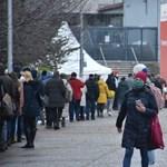 A külföldről érkezők karanténba küldésére és hosszabb téli szünetre készülnek Ausztriában
