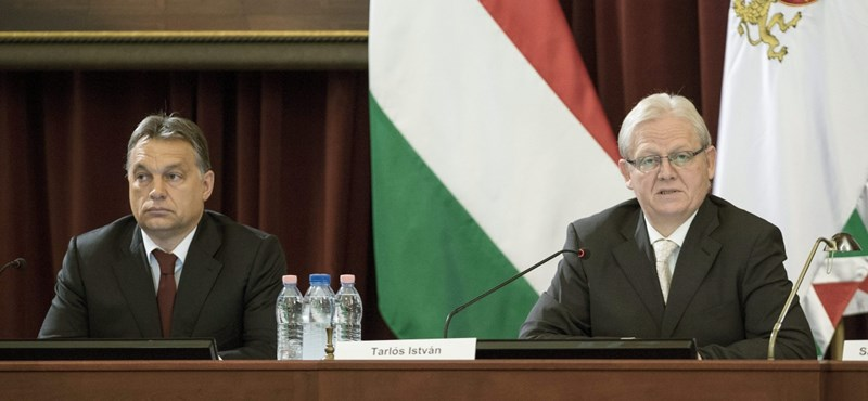 Tarlós rendkívüli sajtótájékoztatón kért segítséget Orbántól