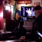 Erős versenyző szállt ringbe a legjobb karácsonyi reklám címéért: egy ír kocsma