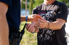 Hat férfit és egy nőt vágtak előzetesbe drogkereskedelem miatt