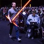 Szemüveget a bírónak? Gigabüntetés Zuckerbergéknek, 143 milliárdot kell kifizetniük