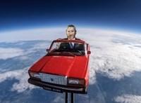 Videó: Az oroszok majdnem az űrbe küldtek egy majdnem igazi piros kocka Ladát