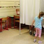 A DK szerint antidemokratikus a választói feliratkozás
