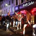 Húzós pénzbüntetést kapott a járvány kellős közepén házibulit tartó brit tinédzser
