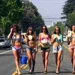 Videó: így működik a kéznélküli bikinis kocsimosás