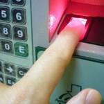 Mastercard: jövő áprilistól itthon is lehet szelfivel és ujjlenyomattal fizetni