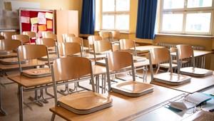 Csehországban is bezárják az iskolákat, a felsősök otthonról tanulnak majd
