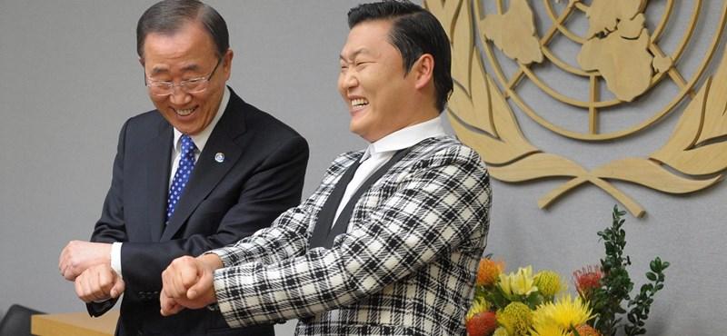 Fotó: Gangnam Style-t táncol az ENSZ-főtitkár