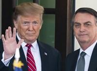 Először tagadta a koronavírus súlyosságát, most a hatástalan szert szedi rá Bolsonaro