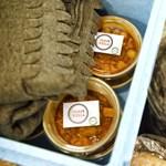 Rászorulóknak osztott ételt a Párbeszéd a Blahán