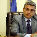 Blogbejegyzése miatt rúgták ki a román külügyminisztert