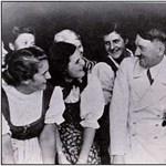 Sosem látott fotók kerültek elő Hitler bunkeréről