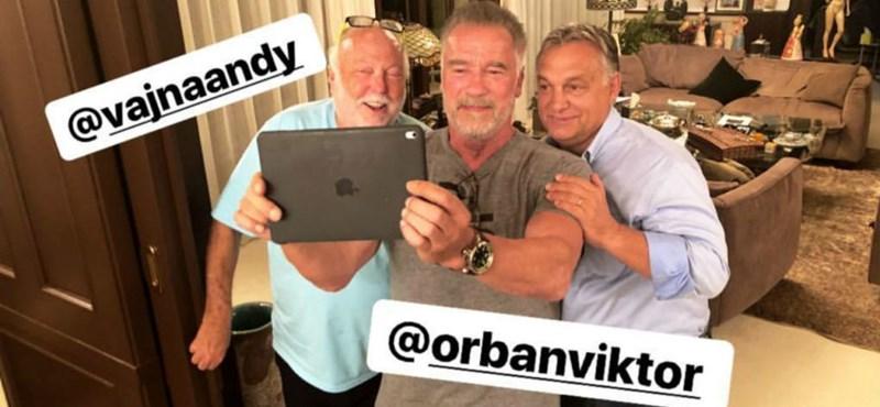 Orbán Schwarzeneggerrel és Andy Vajnával bulizott