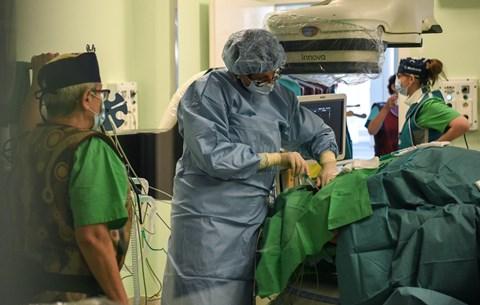 keresek női algériai orvos