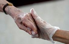Kigyógyult a koronavírus-fertőzésből a 105 éves Magdus néni