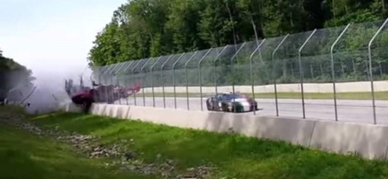 Videó: Ennél durvább Ferrari-balesetet ritkán látni versenypályán