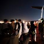 Comisario de la UE: Debe evitarse que los afganos fugitivos emprendan un peligroso viaje hacia la UE