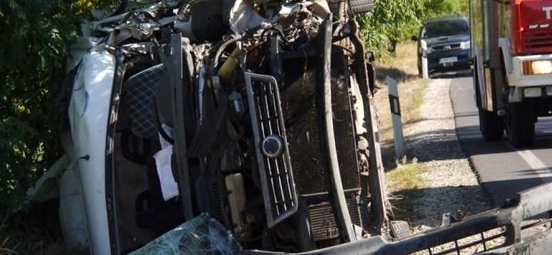 Hat sérült és egy halott egy balesetben Sulyánbokornál