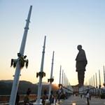 Felavatták a világ legeslegnagyobb szobrát
