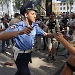 Félmeztelen női aktivistákat tartóztattak le Kijevben - fotógaléria