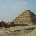 Az Iszlám Állam lövöldözött a gízai piramisoknál - 4 halott
