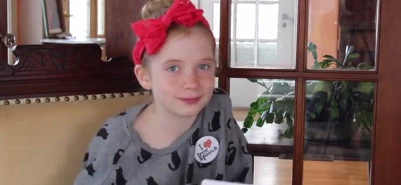 9 évesen riporterkedik az utcában, könyvekre szerződött vele egy kiadó