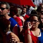 """""""Mintha Hoffmann Rózsa pikkelne ránk"""" - egyetemisták is tüntettek a Kossuth téren"""