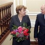 Putyin szombaton meglátogatja Merkelt
